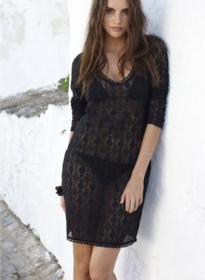 robe de plage noire courte en dentelle en solde a moins 50 pourcent soit 18 euros. Black Bedroom Furniture Sets. Home Design Ideas